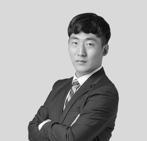 SEOK-BIN HONG