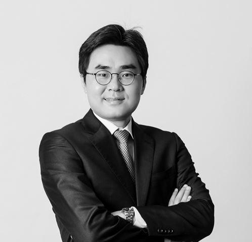YOUNG-JU NA